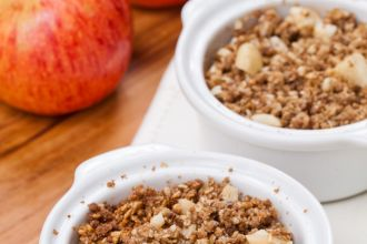 Apple crumble com farinha de chia